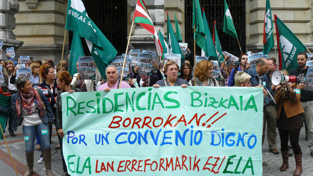 manifestacion-trabajadoras-Diputacion-Gran-Via_EDIIMA20131009_0567_4